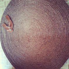 Les Fleurs: how to make a round rug...