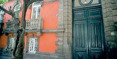 Colonia Roma, Barrio Mágico de la Ciudad de México | México Desconocido Art Nouveau Arquitectura, Aztec Empire, Ancient Aztecs, New Spain, México City, Places To Visit, Earth, Architecture, World