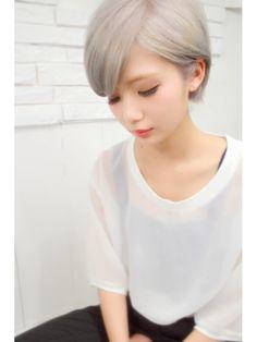 ピア(Pia)【pia】 << white gray short style >>