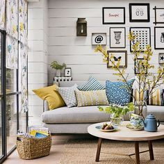 living rooms - horizontal boards (or faux boards) on the wall from floor to ceiling, natural fibers, simple thematic art, brief, repeating color pa… …