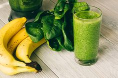 Recipes: Healthy smoothies for weight gain Gain Weight Smoothie, Healthy Weight Gain, Lose Weight Naturally, Avocado Smoothie, Healthy Smoothies, Smoothie Recipes, Peanut Butter Smoothie, Bone Broth, Paleo