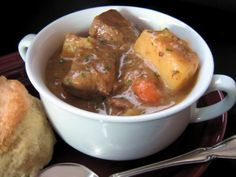 Pressure Cooker Golden Mushroom Beef Stew Recipe - Be sure to sear the meat in a pan prior to adding it to the Tupperware Microwave Pressure Cooker!