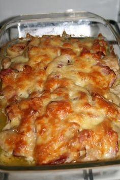 Pui surpriza No Calorie Foods, I Foods, Good Food, Yummy Food, Romanian Food, Romanian Recipes, Casserole Recipes, Food To Make, Chicken Recipes