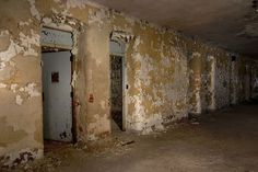 Abandoned insane asylum - Danvers State Hospital (otherwise known as Danvers Lunatic Asylum) - Peeling walls, doors leading to darkness. Haunted Asylums, Abandoned Asylums, Abandoned Places, Mental Asylum, Insane Asylum, Spooky Places, Haunted Places, Old Buildings, Abandoned Buildings