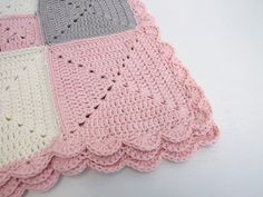 pink, cream and taupe baby blanket by Baban Cat - Handarbeit Crochet Afghans, Crochet Squares, Crochet Granny, Crochet Stitches, Crochet Patterns, Crochet Blankets, Baby Blankets, Baby Afghans, Baby Girl Crochet Blanket