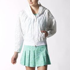 but where is the armhole seam?does it have a SS? try to look for in store - adidas - Tennis Jacket Australia