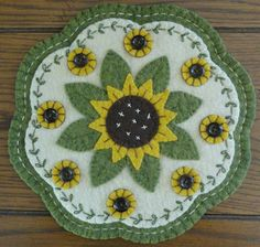 beautiful candle mat - this is the best sunflower version I have seen.