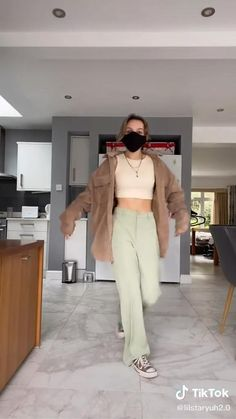 Hot Outfits, Retro Outfits, Cute Casual Outfits, Vintage Outfits, Fashion Outfits, Trendy Fashion, Casual Street Style, Looks Cool, Aesthetic Clothes