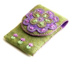 Ipod / Iphone / cell phone case cozy felt hand embroidery olive green and lilac Felt Phone Cases, Felt Case, Felt Embroidery, Felt Applique, Felted Wool Crafts, Felt Crafts, Sewing Crafts, Sewing Projects, Penny Rugs