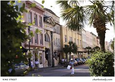 From Broad to King, we have listed the top 8 streets to enjoy in Charleston, SC. These iconic streets are an absolute must when visiting downtown Charleston