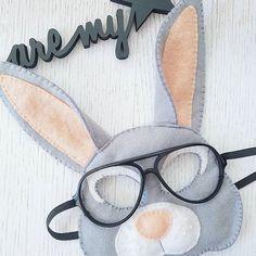 Priekš Ernesta viena varen švītīga zaķēna maska sanāca 😎🐰 #bunny #diymask #diy #handmade #handcrafted #kidsmask #animalmask #feltmask #filcamaska