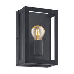 Alamonte 1 Vegglampe Sort - Alamonte 1 er en serie utelamper fra Eglo med enkel og populær design. Lampene er stilrene og utført i sort galvanisert stål med klart glass. Serien vil kunne dekke hele ditt behov for å lyssette hage og uteplass, og består av stolpe, hengende taklampe, plafond, vegglampe og bordlampe.