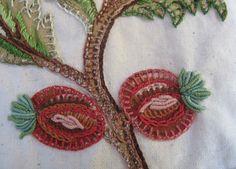 Frutos, aplicación bordada. Bordado a mano por Carolina Gana. Taller de Bordado Rococó. Santiago de Chile. CGP©2012