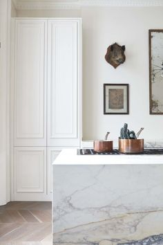 Blakes London, white kitchen, marble island