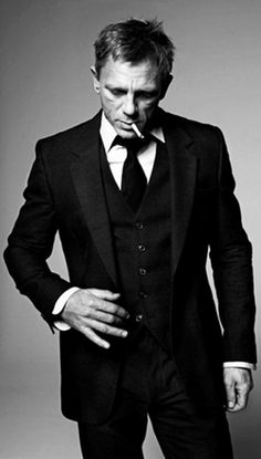 """Daniel Craig is James Bond. """"Looking good in a suit"""" is one of the requirements to be James Bond. Daniel Craig, Craig 007, Craig James, Craig Bond, James Dean, Sharp Dressed Man, Well Dressed, Gorgeous Men, Beautiful People"""