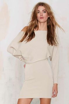 Sonya Off-the-Shoulder Knit Dress 61€