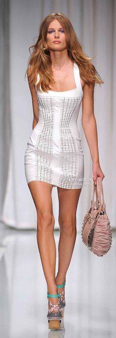 Versace is always clever and super sexy. There are so many creative things happening in this 2010 collection, for the sake of posterity I wa...
