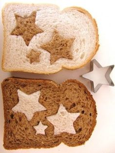 Simple and fun way to make star sandwiches for two kids....For more ideas for school lunches visit https://www.facebook.com/SchoolLunchIdeas