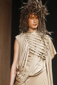 Junya Watanabe Spring 2014 RTW - Details - Fashion Week - Runway, Fashion Shows and Collections - Vogue