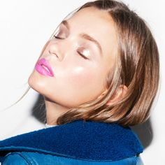 How to master the metallic makeup look