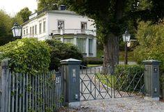 Princess Sofia and Prince Carl Philip settle into new home