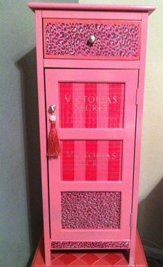 Victoria 39 s secret pink bedroom i wanna do this if not for Victoria secret bathroom ideas