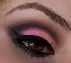 I used: Brazilian brand Lumi Cosmeticos Eyeshadow Palette LUMI BEATS FLÚOR http://www.lumicosmeticos.com.br/