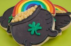 Celebrate St. Patrick's Day with these awesome Pot of Gold Cookies!