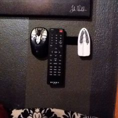 Velcro remote control holder on wall Remote Caddy, Remote Control Holder, Remote Control Cars, Craft Room Design, Diy Design, Camera Cards, Diy Bed, Room Organization, Home Projects