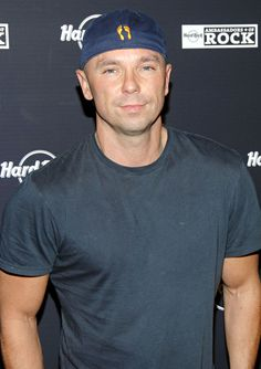 Image detail for -Country music superstar Kenny Chesney has thrown his cowboy hat in the ring for consideration as the Super Bowl halftime performer in 2011. Fans of the singer ...