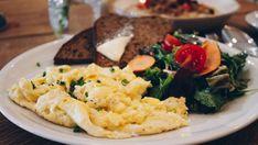11 schöne Cafés und Restaurants am Wasser | Mit Vergnügen Berlin Restaurant Am Wasser, Risotto, Ethnic Recipes, Berlin, Restaurants, Food, Food Food, Nice Asses, Essen