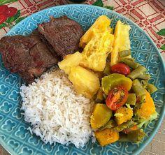 Cobb Salad, Meals, Ethnic Recipes, Food, Meal, Essen, Yemek, Yemek, Eten