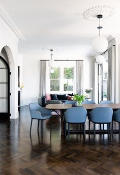 Open plan living and dining room with classic dining table and modern space. House Interior, Apartment Terrace, House Inside, Home, Modern Spaces, Home And Family, Modern Victorian, Minimalist Interior, Modern Renovation