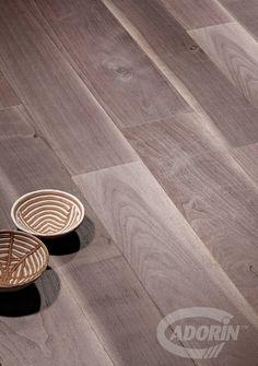Hardwood floor - Wood flooring - Old Noghera Bark - European Walnut Floors; Parquet in legno - Vecchia Noghera Corteccia - Noce Europeo