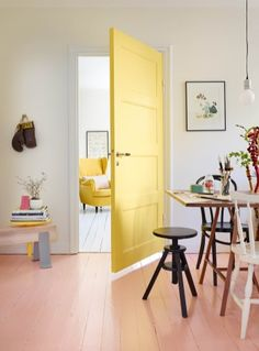 Floor painted with the color Körsbärsblom 696 and the door is painted in Raps Colors from Beckers Target Home Decor, Cute Home Decor, Retro Home Decor, Unique Home Decor, Luxury Homes Interior, Interior Exterior, Home Interior Design, Interior Decorating, Interior Modern
