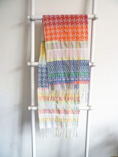 Ilse Acke is a textile designer who specializes in weaving and print pattern design. Loom Weaving, Hand Weaving, Dobby, Linen Bedding, Textile Design, Pattern Design, Print Patterns, Scarves, Textiles