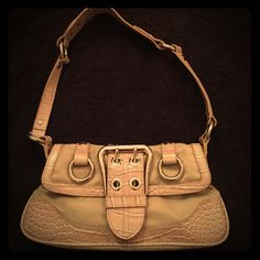 GUESS small purse GUESS brand arm purse.  Perfect for going out and it's basically brand new just without tags!  The colors are actually a cream and a VERY pale purple. Guess Bags Shoulder Bags