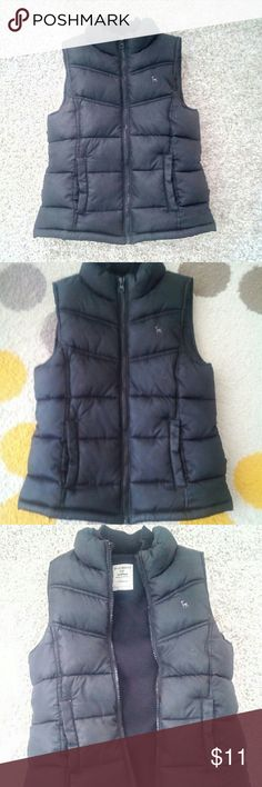 Old Navy Boys Puffy Jacket Cute little Jacket from Old Navy Vest style with thick lining Old Navy Jackets & Coats Vests