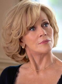 Atriz Jane Fonda revela que fuma maconha todos os dias Short Hairstyles For Women, Cute Hairstyles, Jane Fonda Hairstyles, Medium Hair Styles, Curly Hair Styles, Great Hair, Hair Dos, Hair Lengths, Short Hair Cuts