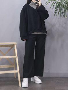 Korean Girl Fashion, Korean Street Fashion, 80s Fashion, Look Fashion, Fashion Outfits, Fashion 2020, Fashion Clothes, Fashion Ideas, Winter Fashion