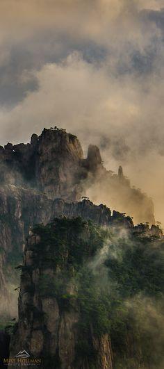 Huangshan (Yellow Mountain), China. www.MikeHollman.com