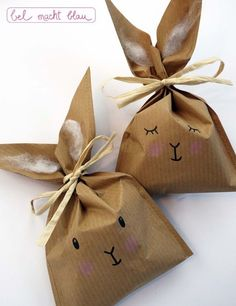- Skip Skip Bunny bags handmade culture - www.pin… – Hopp Hopp Bunny bags handmade culture www. Creative Gift Wrapping, Creative Gifts, Wrapping Gifts, Diy For Kids, Crafts For Kids, Children Crafts, Bunny Bags, Diy Easter Decorations, Easter Party