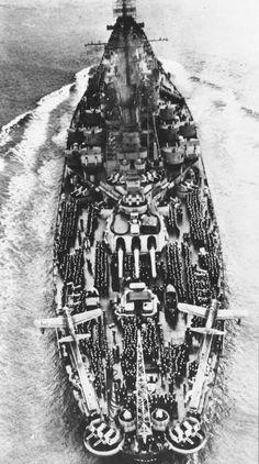 USS Indiana entering San Francisco Bay, September 29 1945. https://t.co/XDJD30hdwh