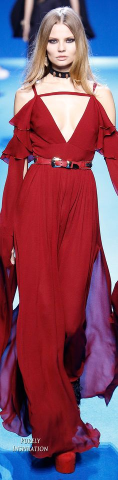Elie Saab FW2016 Women's Fashion RTW | Purely Inspiration Fall Fashion Trends, Red Fashion, Couture Fashion, Runway Fashion, Fashion Show, Autumn Fashion, Fashion Design, Couture Style, Ellie Saab