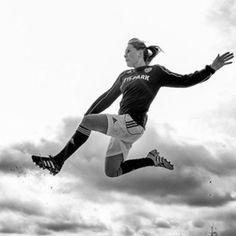 Jeska, soccer player with Holstein Women / Holstein Kiel (Germany) 2012 Soccer Photography, Soccer Art, Association Football, Creative Pictures, Sports Pictures, Soccer Players, Girl Photos, Running, Women Socks