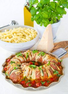 Snack Recipes, Snacks, Ratatouille, Lchf, Chutney, Mozzarella, Food Inspiration, Hummus, Pesto