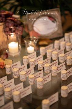 """Uno dei nostri matrimoni a tema """"Vino"""": abbiamo raccolto la migliori immagini per mostrarvi la bellezza di questo colore, il Rosso Bordeaux, detto anche Burgundy, uno dei nostri colori preferiti per le nozze! Il tono gioiello ispirato al vino, spicca tra gli altri più tenui ed è veramente di grande effetto. Questa tonalità forte è un'aggiunta perfetta a qualsiasi tavolozza di colori autunnali o invernali, ma può anche essere facilmente tradotta in una relazione estiva o primaverile. Burgundy Wedding, Bordeaux, Tea Lights, Grande, Wedding Planner, Place Cards, Place Card Holders, Candles, Table Decorations"""