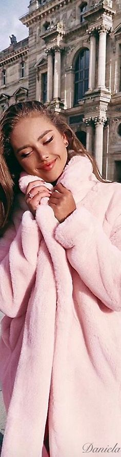 Pink Wool Coat, Pink Faux Fur Coat, Pink Coats, Pink Love, Pretty In Pink, Paris Appartment, Kristina Krayt, Parisian Chic Style, The Blushed Nudes