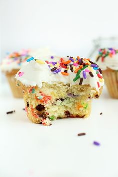 """""""19 Vegan Cupcake Recipes That Are Good Enough For Bill Clinton"""" - I don't know about Bill Clinton, but all of these are definitely good enough for me!"""
