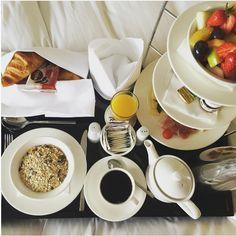 Flight attendant IG @ iamcarolinm treating herself to a delicious breakfast in bed! #radissonblu #Hamburg